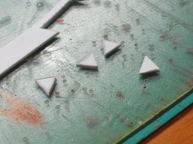 こういうこともあるから、ゴミに見えるようなプラ棒の切れ端も取っておいてある