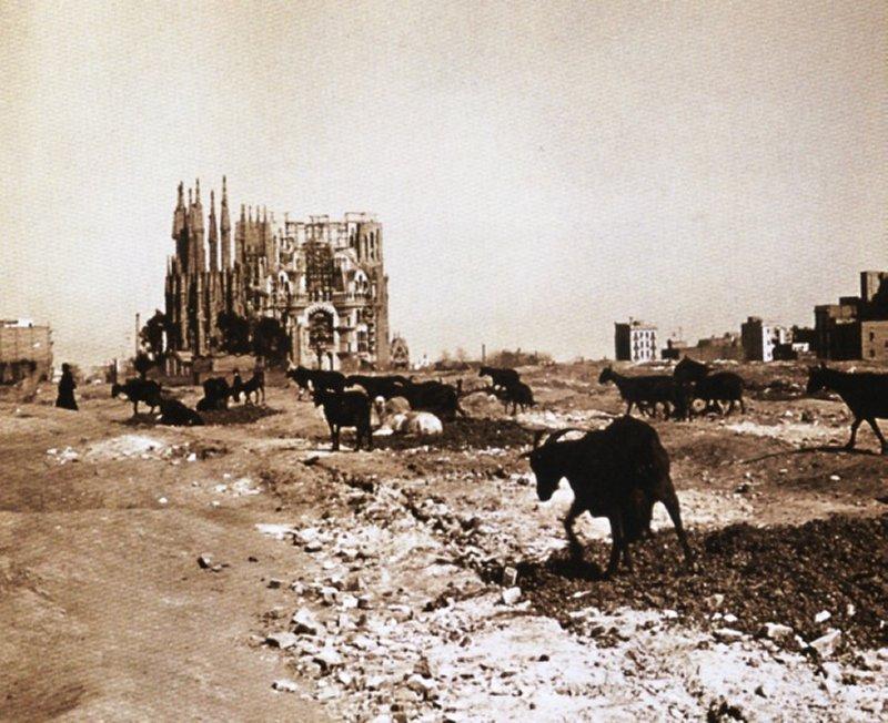 Sagrada_Familia_1915.jpg