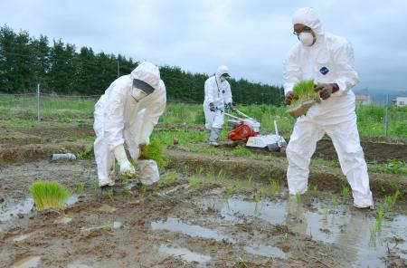 政府による福島での農作業