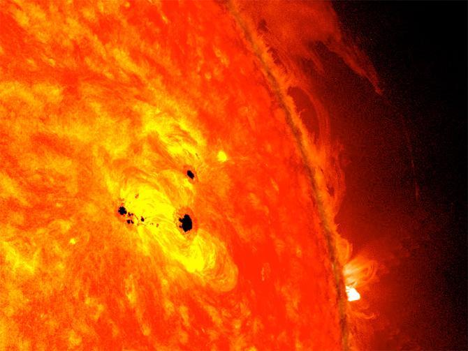 02-2013太陽黒点