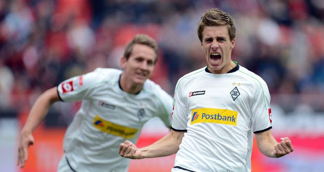 Patrick-Herrmann-celeb-Bayer-Leverkusen-v-Bor_2833380.jpg