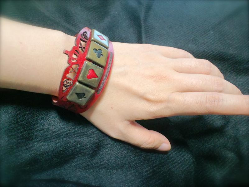 時計の国の通行腕輪_convert_20130204215449