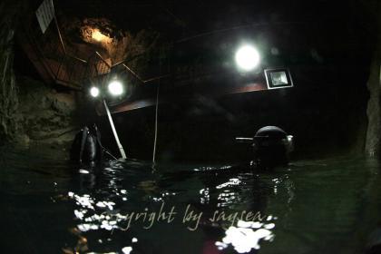 稲積水中鍾乳洞 水中撮影写真4