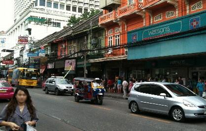 バンコク アジアティック チャルンクルン通り画像