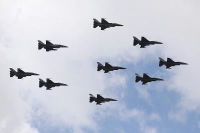 タイ航空100年祭 デモフライト F16編隊写真