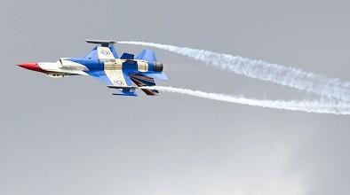 タイ航空100年祭写真 デモフライト F16写真