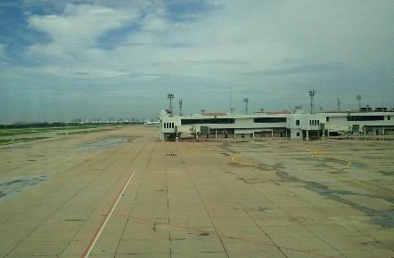 バンコク ドンムアン空港滑走路写真