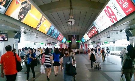 BTSサイアム駅7月写真