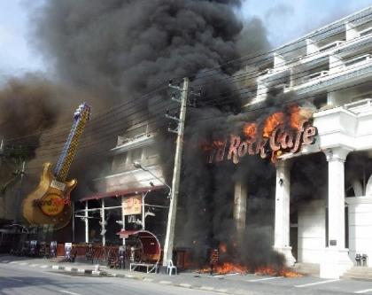 プーケットのハードロック・カフェの火事写真
