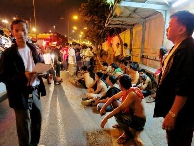 バンコク Vibhavadi警察署暴走族取締り写真