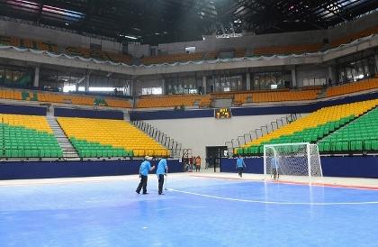 バンコク 2012W杯フットサル会場室内未完成