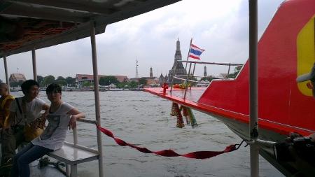 バンコク チャオプラヤー川船 ワットアルン写真