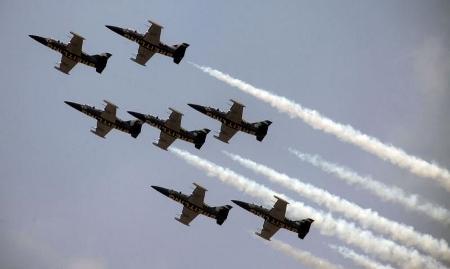 BREITLING JET TEAM タイ空軍創立101周年写真