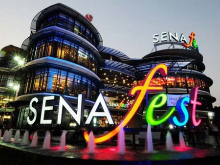 バンコク トンブリーの新SC「セナ・フェスト」画像