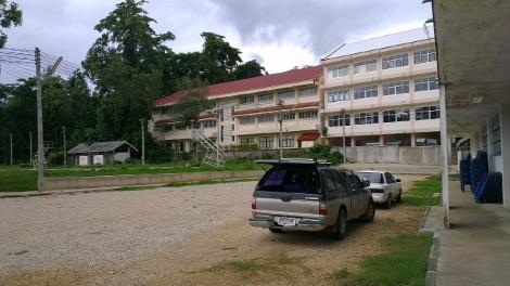 タイ ミャンマー国境の街メーサイの学校画像