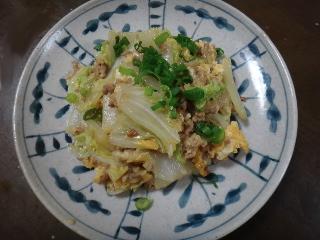 白菜とひき肉の卵炒め