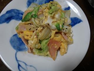 白菜とハムの卵炒め