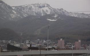 まだ手稲山に雪は残っているけど