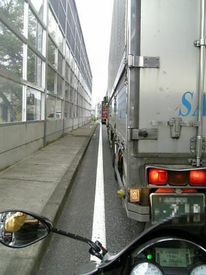大型トラックだらけ