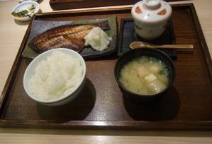 海鮮丼 日の出6 (2)