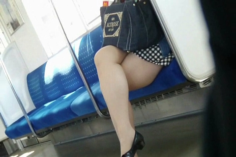 電車の足-1