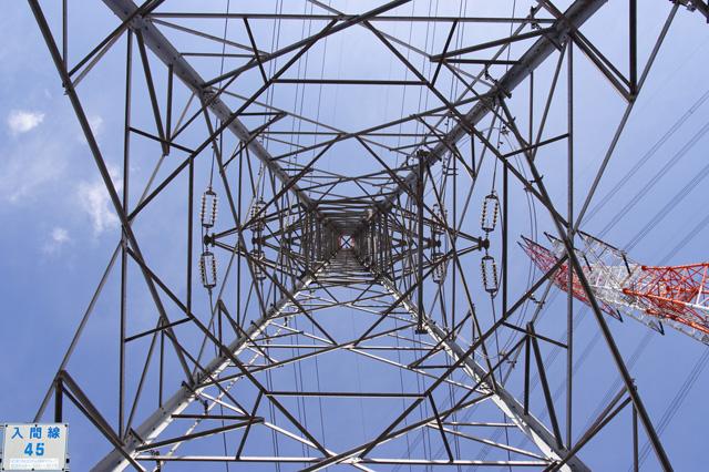 入間線45号鉄塔と只見幹線416号鉄塔