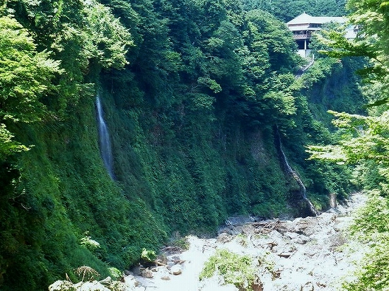 皆瀬川の滝