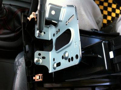 ZC32S スズキ スイフトスポーツ スイスポ カロッツェリアCD&USBデッキ DEH-470