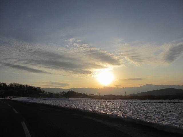 20130108いい感じのスジ雲 (1)