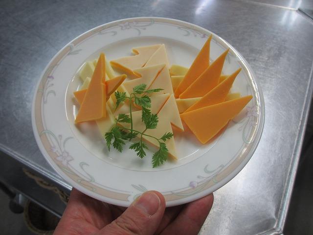 20121223チーズ盛り合わせもクリスマス