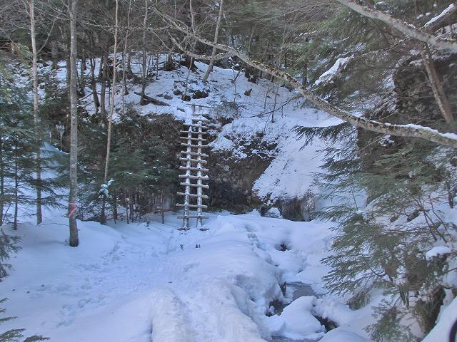 20130110滝へ5 第一の滝に到着 (2)