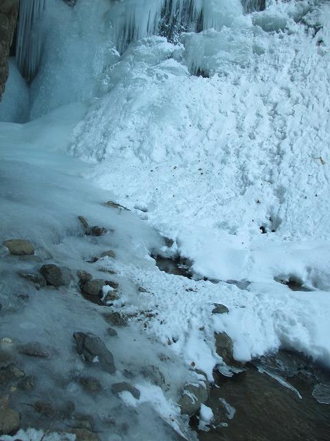 20130110滝へ9 醤油樽 (4)
