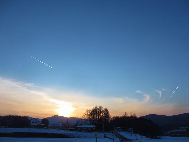20130120夕暮れに飛行機雲 (27)