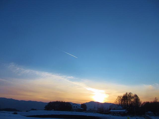 20130120夕暮れに飛行機雲 (25)