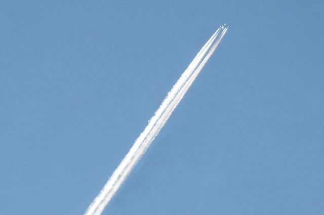 20130120夕暮れに飛行機雲 (34)