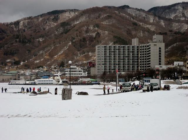 20130126諏訪湖アイスキャンドル仕込風景 (1)