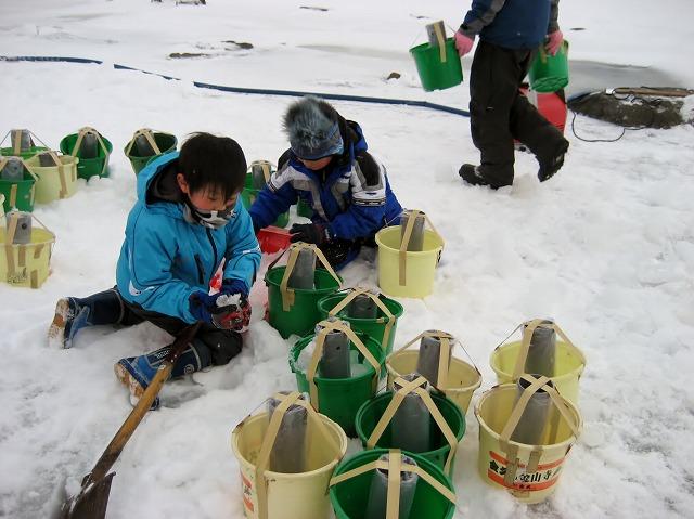 20130126諏訪湖アイスキャンドル仕込風景 (13)