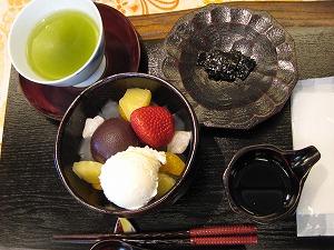 甘味処のおしるこ・あんみつ  (2)