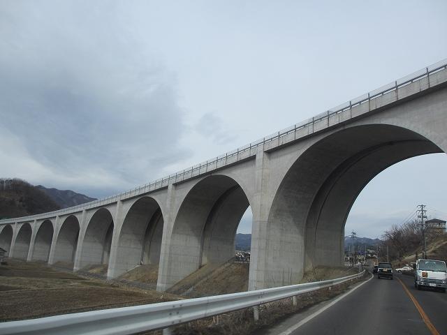 20130301上信越道の高架橋 (5)