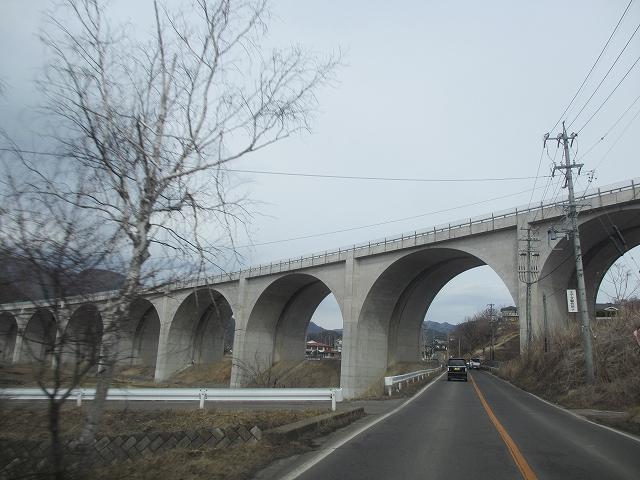 20130301上信越道の高架橋 (4)