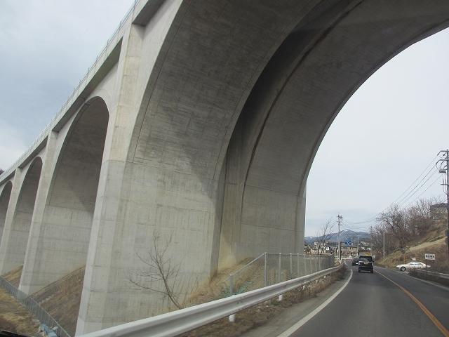 20130301上信越道の高架橋 (6)