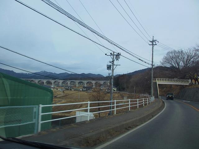20130301上信越道の高架橋 (1)