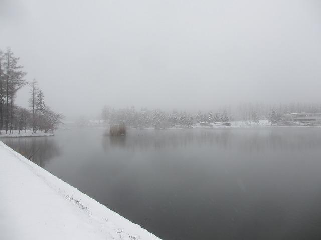 20130421雪の蓼科湖 (3)