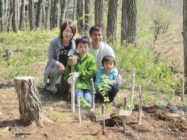 20130506いよいい植樹 (15)