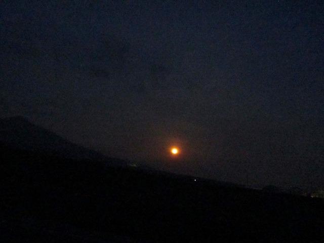 20130525赤い月 (7)