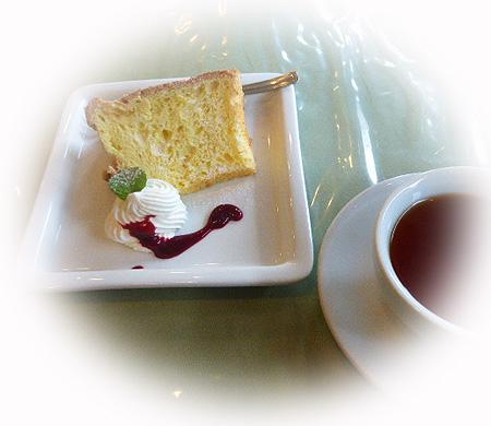 シフォンケ-キ&紅茶