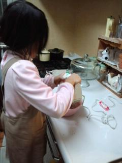 CA3F0736お兄ちゃんのケーキ作り