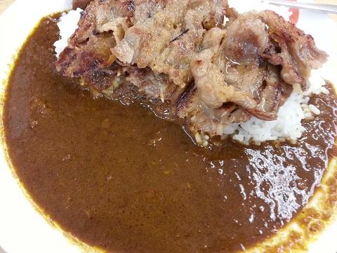 松屋フーズのカルビカレー (2)