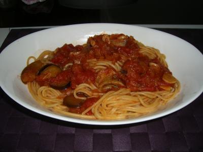 トマトにんにくパスタ