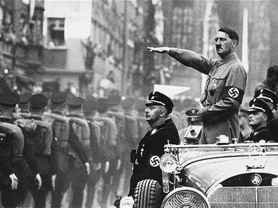 何故ヒトラーを好きな奴がいるのか